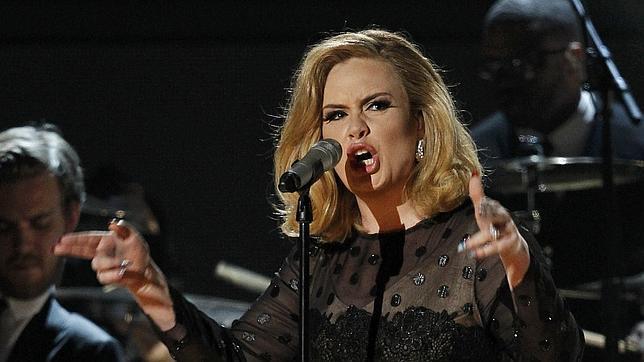 Adele, durante la ceremonia de entrega de los Grammy 2012, donde consiguió seis premios