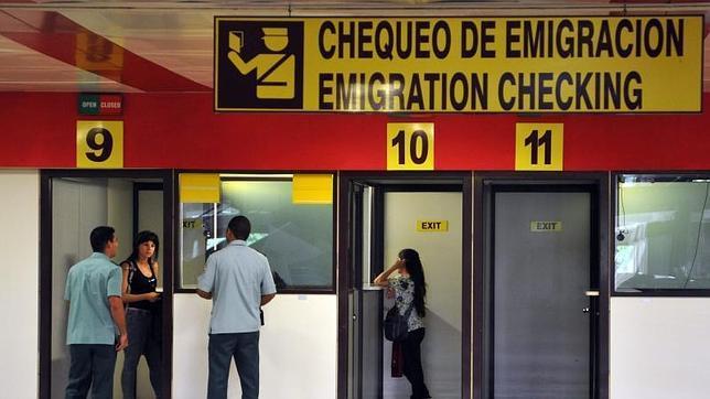 El régimen cubano se declara preparado para la entrada en vigor de la reforma migratoria