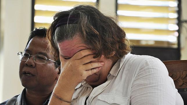 Una mujer británica es condenada a muerte en Indonesia por tráfico de drogas