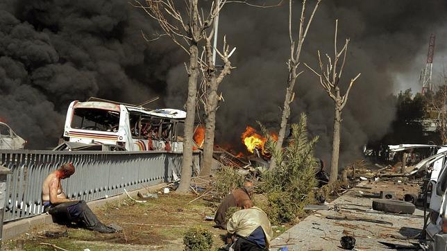 La explosión de un coche bomba en Damasco deja 64 muertos y más de 200 heridos