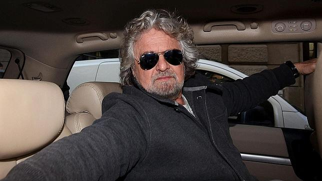 El partido de Beppe Grillo rechaza apoyar un Ejecutivo de tecnócratas e insiste en gobernar