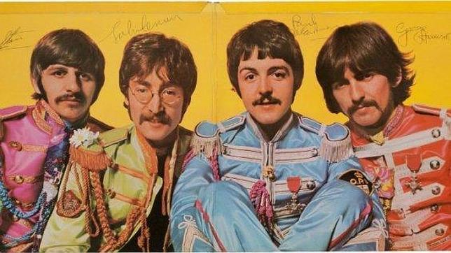 Una copia del «Sgt Pepper's» firmada por The Beatles vendida por 290.500 dólares