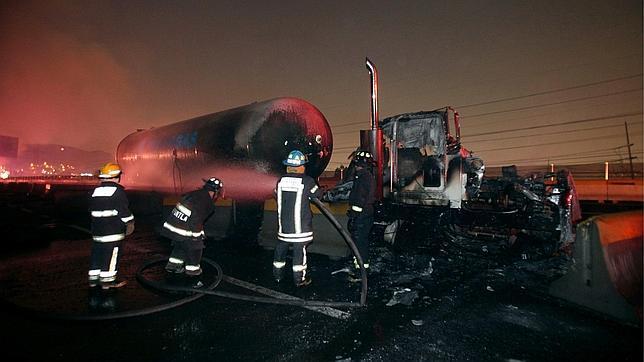 Veintitrés muertos en México tras la explosión de un camión-cisterna de gas