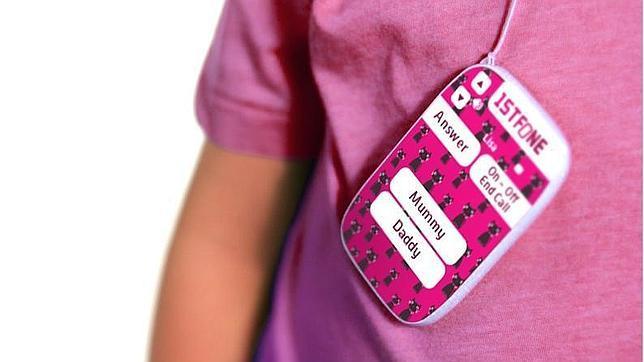 1stFone, un móvil para niños sin pantalla que guarda 12 contactos
