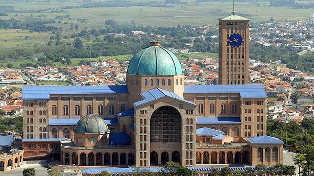 Detonan una bomba casera en el baño del Santuario que visitará el Papa