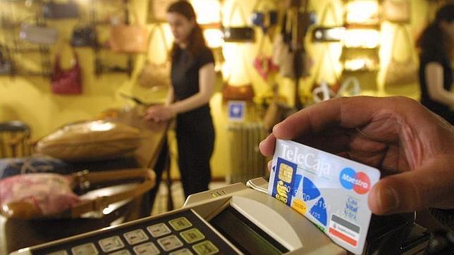 La CE propone un tope a las «excesivas» comisiones por pagos con tarjeta