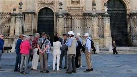 Guía turístico: una profesión clave para potenciar el turismo en nuestro país