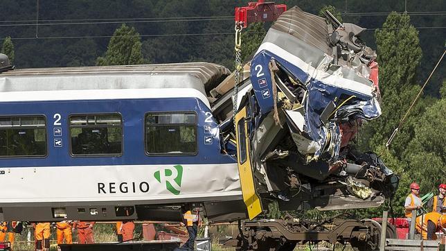 Un error del maquinista, principal hipótesis del accidente de trenes en Suiza