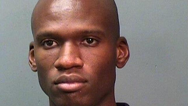 Aaron Alexis, presunto autor del tiroteo de Washington, era un tipo solitario y violento