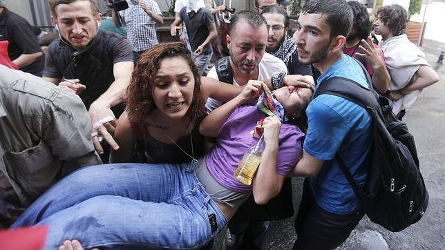 Duras críticas contra la actuación policial durante las recientes protestas en Turquía