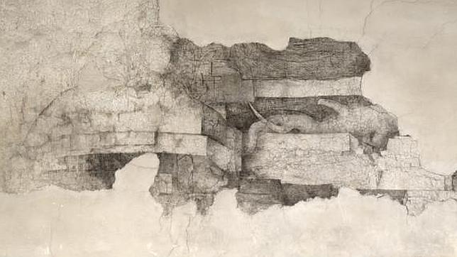 Uno de los dibujos hallados, bocetos al carbón sobre la pared