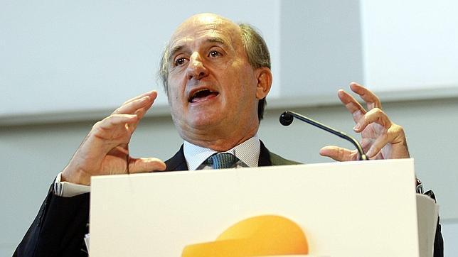Repsol gana un 17,4% menos por paradas en Libia y caída de márgenes de refino