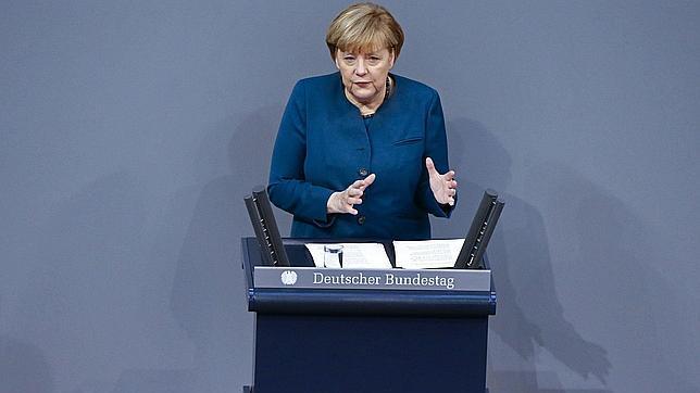 Merkel: «España e Irlanda están recogiendo los frutos de sus esfuerzos»