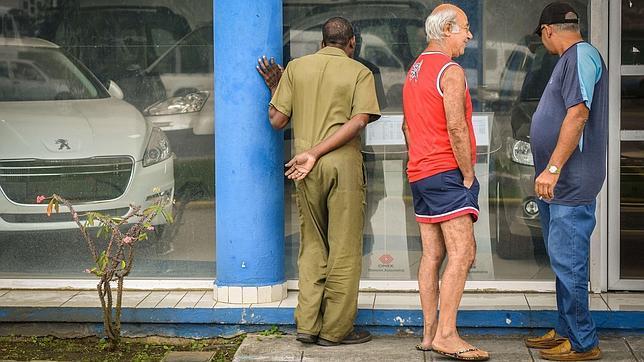 Malestar en Cuba por los altos precios fijados por el régimen en la venta de  vehículos