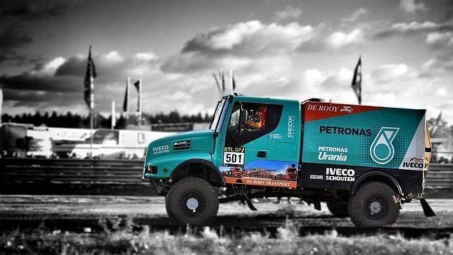 Iveco y FPT Industrial vuelven a ser este año patrocinadores oficiales del equipo holandés Iveco De Rooy Petronas