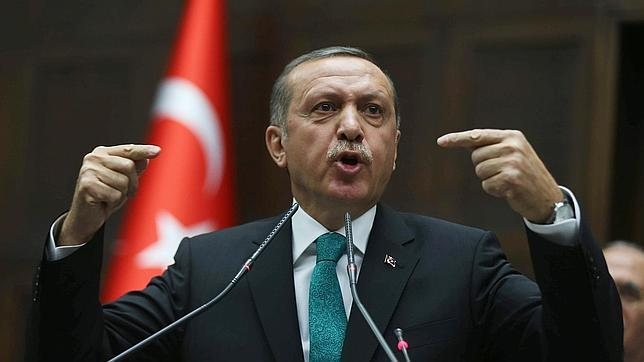 Erdogan pide a los embajadores que denuncien la «conspiración» contra su gobierno