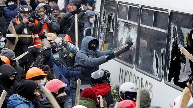 Más de 100.000 manifestantes demandan en Kiev la dimisión de Yanukovich