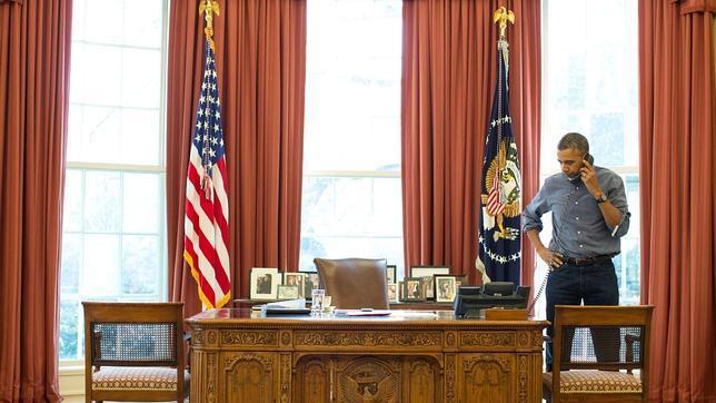 Obama pide a Putin que retire sus fuerzas y le advierte sobre un posible aislamiento