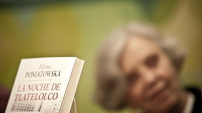 Poniatowska durante la presentación de «La noche de Tlatelolco»