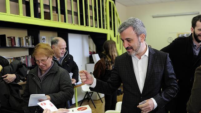 Collboni gana las primarias del PSC, pero se enfrentará en segunda vuelta con Andrés