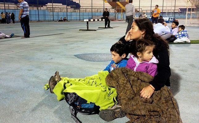 Chile levanta la alerta por tsunami tras el terremoto de 8,2 grados que ha dejado 6 muertos