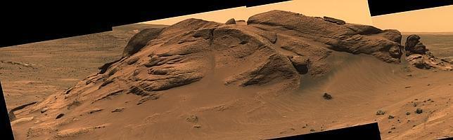 Indicios de un antiguo lago en un cráter de Marte