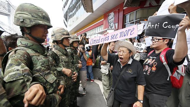 La junta militar disuelve el Senado de Tailandia