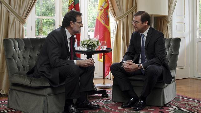 Rajoy pide altura de miras a CiU ante la abdicación del Rey