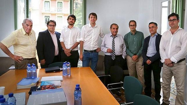 Imagen de la reunión celebrada entre dirigentes de ACPV y varios eurodiputados