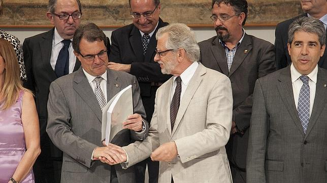 Un exvicepresidente del Constitucional, al servicio de la independencia catalana