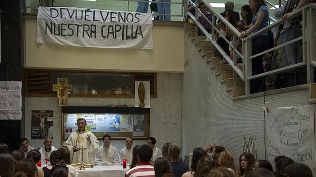 Ultimátum de la Complutense para dejar mañana la capilla de Geografía e Historia