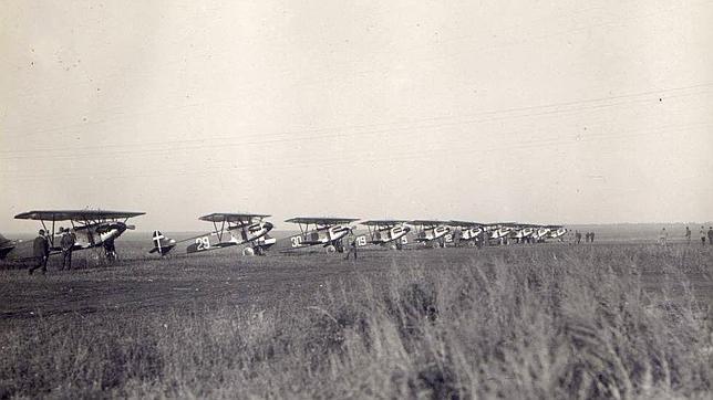Aviones Fokker D.XIII en Wivupal, nombre en clave con el que los alemanes denominaron la base secreta que Stalin les permitió instalar en Lipetsk