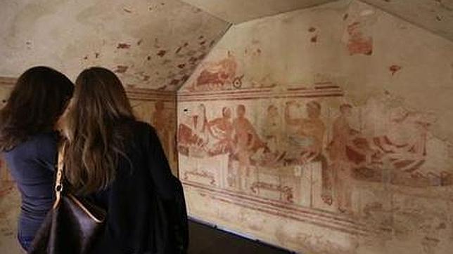 Retazo de la muestra «El viaje al más allá de la vida. Los etruscos y el más allá»