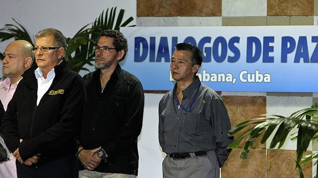 Representantes de las FARC y del Gobierno de Colombia en La Habana
