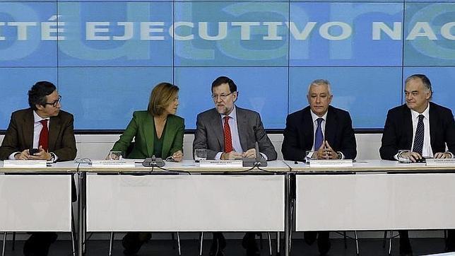 Rajoy junto a Cospedal, Arenas, González Pons y Floriano en la reunión del Comité Ejecutivo Nacional del partido