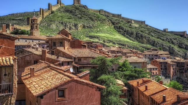 Diez pueblos medievales de España para pasear con calma
