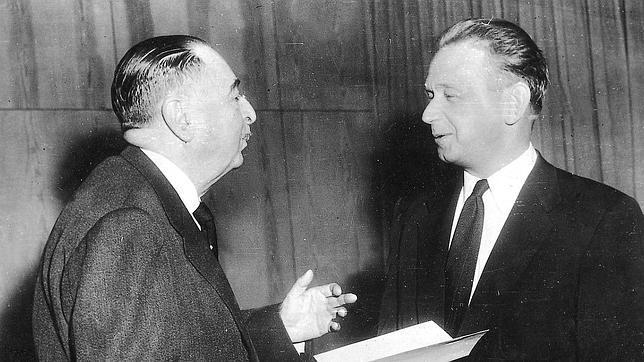 Fotografía de archivo de 1956 del por entonces secretario General de la ONU, Hammaskjold