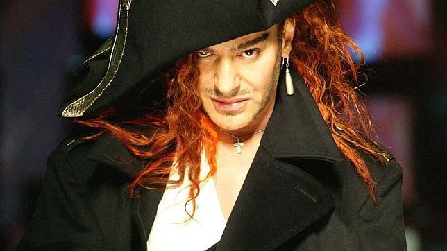 Galliano, disfrazado de Napoleón en un desfile en 2005