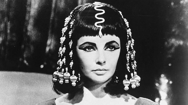 Elizabeth Taylor es una de las guapas actrices que ha desempeñado el papel de Cleopatra