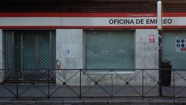 La Oficina de Empleo de Villaverde, cerrada por obras