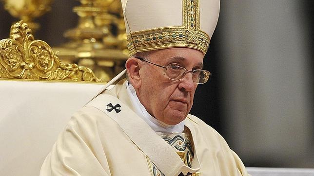 El Papa durante la ceremonia celebrada en la basílica de San Pedro