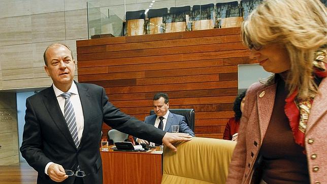 El presidente del Gobierno de Extremadura, José Antonio Monago, en una imagen de archivo en el Pleno del Parlamento regional