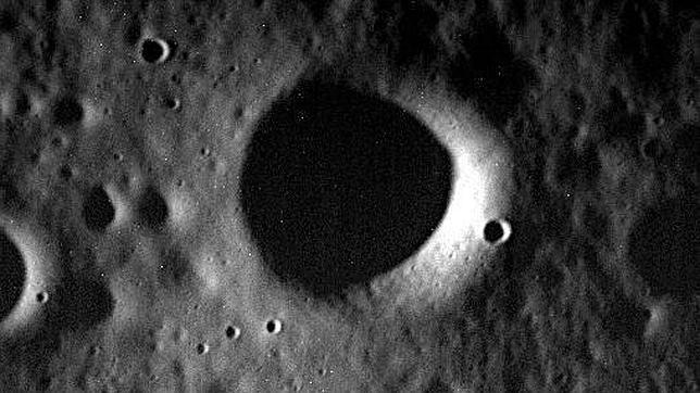Imagen obtenida por la nave Messenger de la superficie de Mercurio