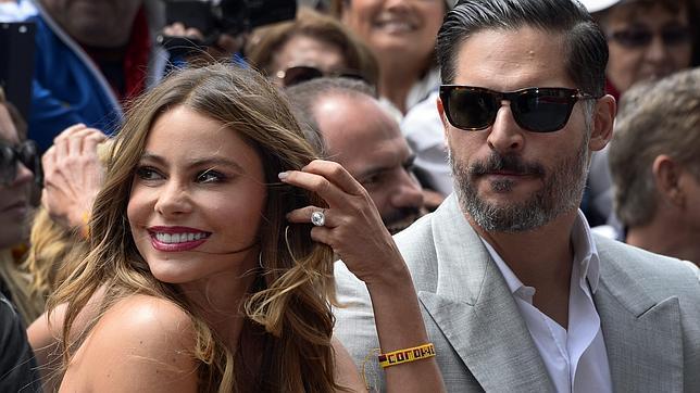 La actriz colombiana Sofía Vergara y el actor estadounidense Joe Magnganiello