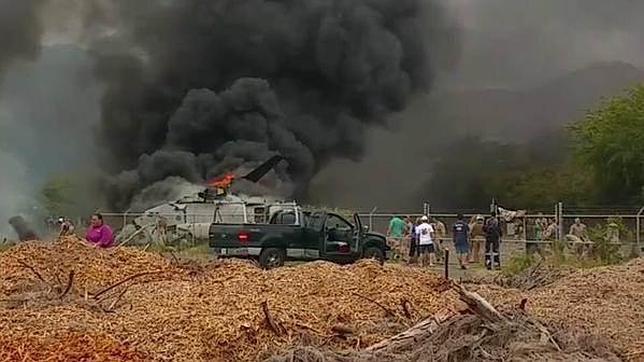 Imagen del helicóptero caído en el que murió un marine
