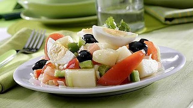 El huevo es además, poco calórico y cuenta con una ingente cantidad de vitaminas