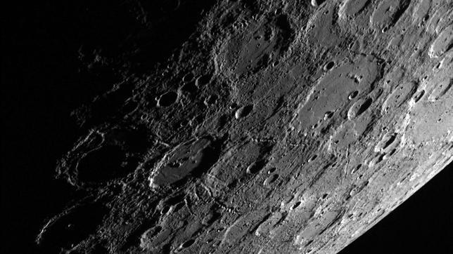 Vista del planeta Mercurio desde la nave espacial «Messenger»