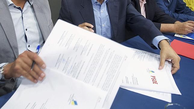 El sábado se constituyen los ayuntamientos y esta semana se han firmado los pactos para gobernarlos