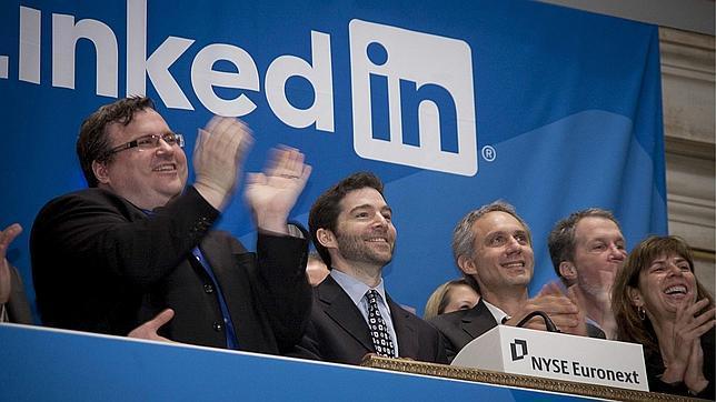 El consejero delegado de Linkedin y su presidente durante su salida a Bolsa de la empresa