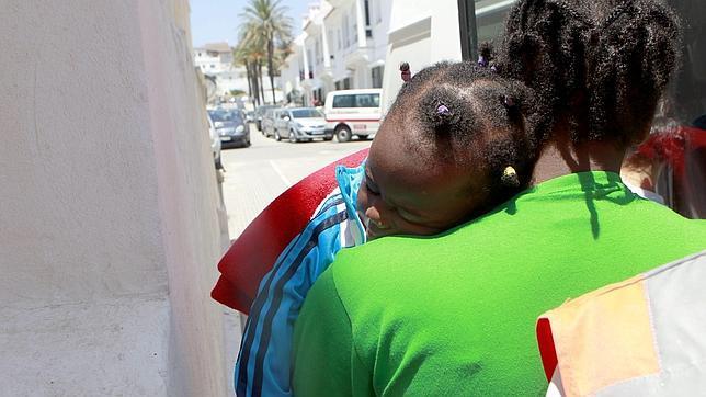 Niña rescatada en una patera que trataba de llegar a Tarifa